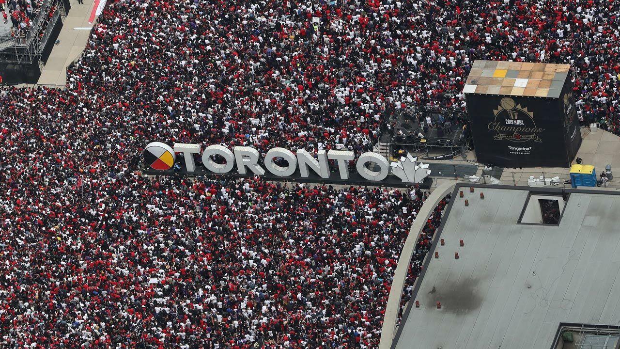 Sch-sse-bei-Titel-Parade-der-Toronto-Raptors