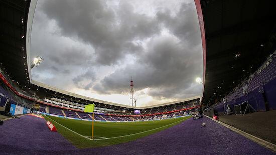 Protest! Austria-Fans stellen Sarg vor Stadion