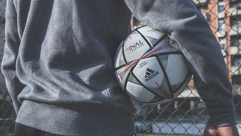 Bilder des neuen Champions-League-Balls Finalo
