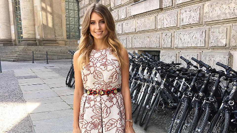 Diashow: Die Spielerfrauen von Italien und Deutschland
