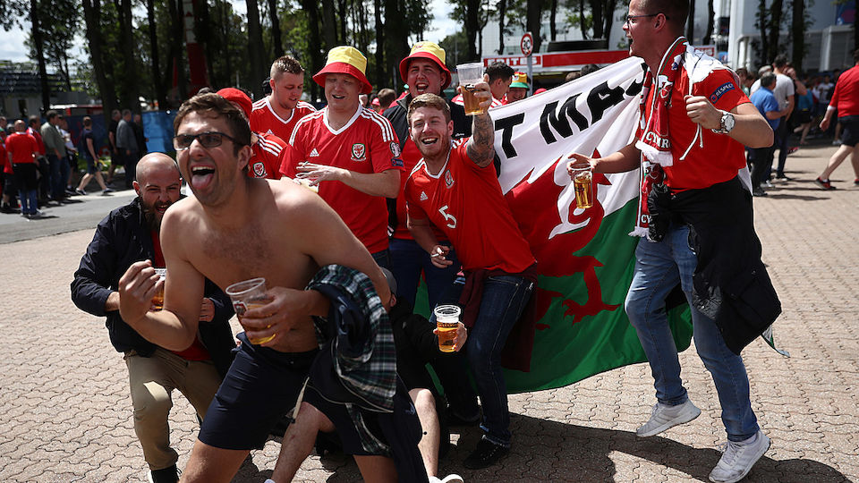 Fans England-Wales