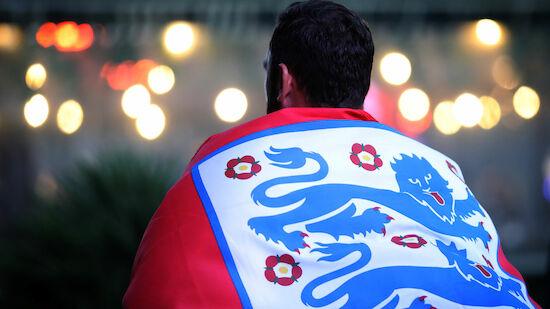 Milde Strafe für England nach Halbfinal-Vorfällen