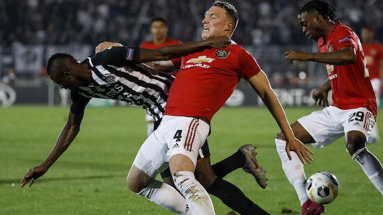 Manchester United schießt sich an die Spitze