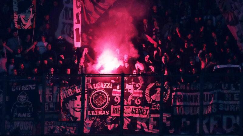 Frankfurt mit Fan-Ausschluss bestraft
