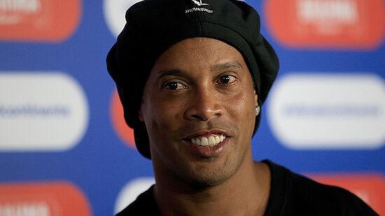Ronaldinho übersiedelt vom Häfn in ein Hotel