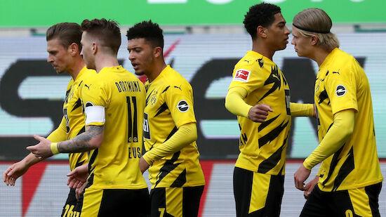 Dortmund schlägt Wolfsburg in Unterzahl