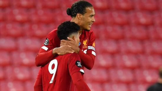 Liverpool gewinnt Tor-Festival vor Pokalübergabe