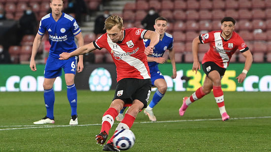 Southampton trotzt Leicester Punkt in Unterzahl ab