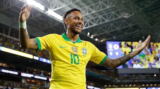 Neymar jubelt bei seinem Comeback