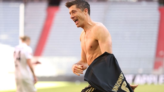 Lewandowski bricht Rekord in letzter Minute
