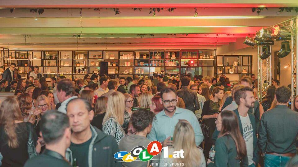 LAOLA1 Lounge 2710