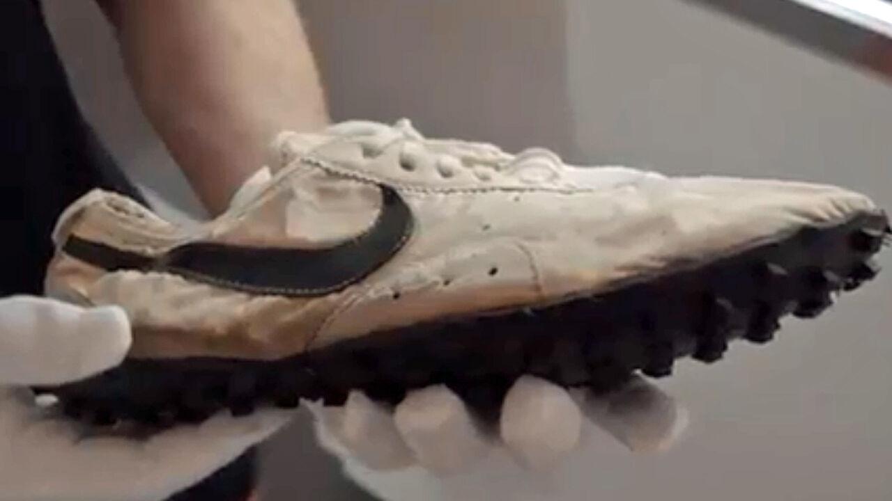 947db79f61898 Diese Sneaker sind einem Käufer 437.500 Dollar wert