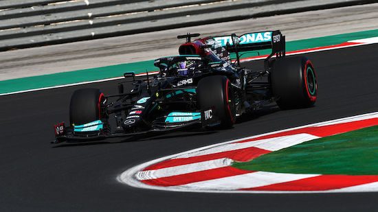 Hamilton dominiert, Red Bull im 2. Training zurück