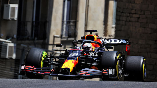 Verstappen-Crash im 3. Baku-Training