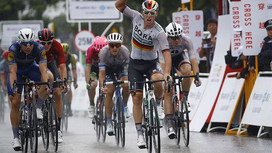 Ackermann sprintet im strömenden Regen zum Sieg
