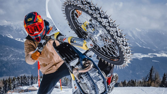 Spektakulär: Hirscher fährt RTL mit Motocross