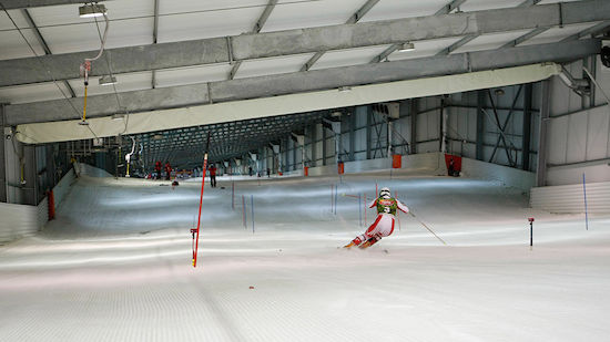 Schweizer Ski-Stars trainieren in belgischer Halle