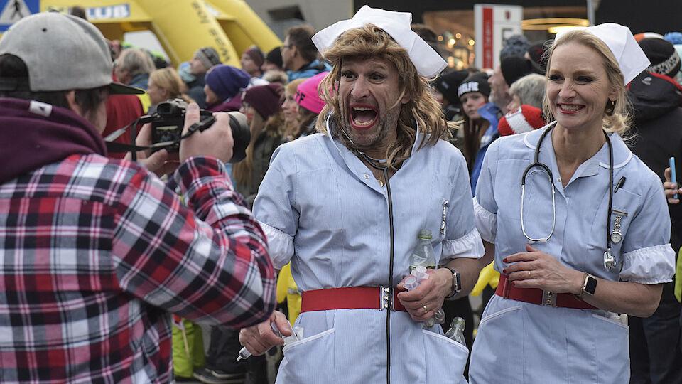 Weltcup-Auftakt in Sölden - die Fanklub-Parade